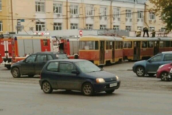 НаМашиностроителей зажегся трамвай №22