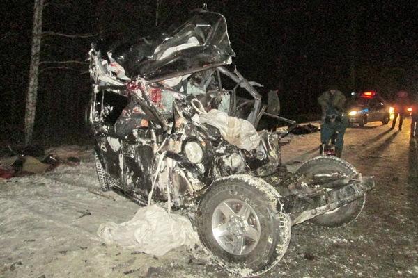 Все, что осталось от Land Rover, в котором ехали четыре человека.