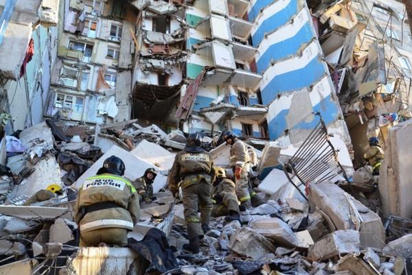 Куйвашев с Высокинским выразили соболезнования родственникам погибших и пострадавших в Магнитогорске