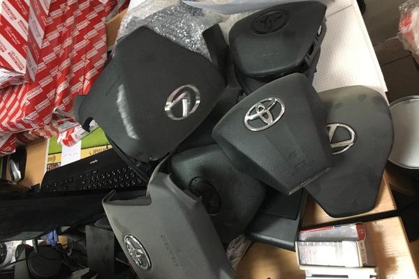 Таможенники изъяли в екатеринбургском автомагазине больше тысячи дубликатов запчастей для японских машин