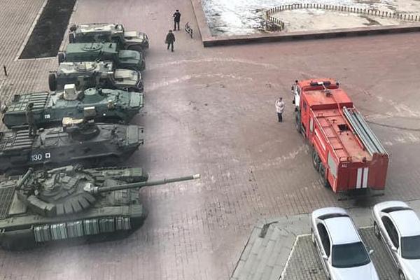 В Екатеринбурге наказали виновников порчи брусчатки на площади Советской армии