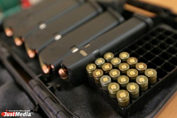 7 лет грозит двум хулиганам, устроившим стрельбу на парковке холостыми патронами