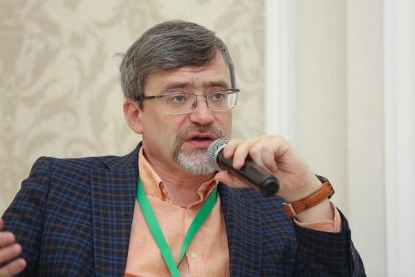 В Екатеринбург приехал глава ВЦИОМ Василий Федоров