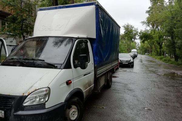 Сотрудники ГИБДД нашли водителя «Газели», сбившего насмерть пешехода на дублере Сибирского тракта