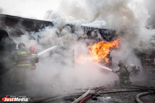 В поселке Гари произошел серьезный пожар в исправительной колонии