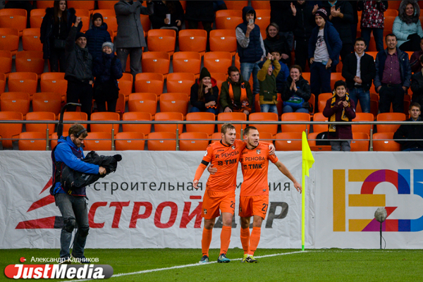 На фото слева Андрей Панюков.