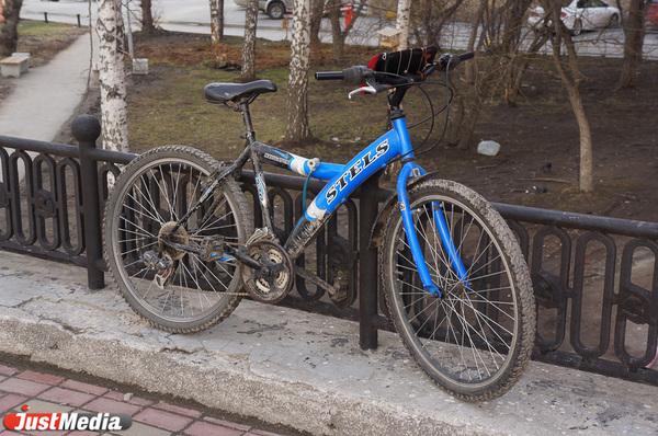 В Екатеринбурге в первые сутки работы велошеринга злоумышленники пытались угнать велосипеды