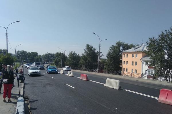 В Екатеринбурге открыли мост у «Калины»