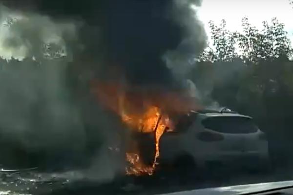 Скрин с видеозаписи, опубликованной в сообществе «Инцидент. Екатеринбург» в социальной сети «ВКонтакте».