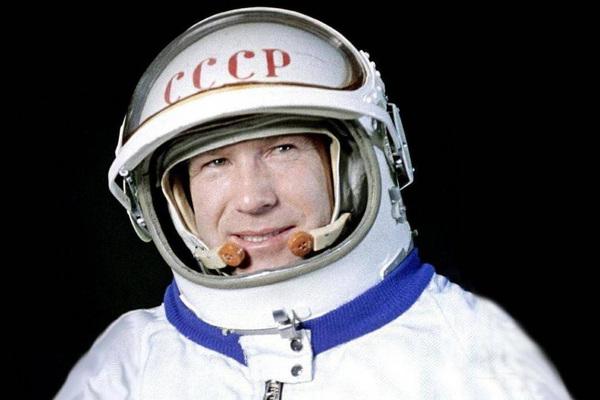Скончался знаменитый космонавт Леонов