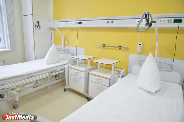 Родственников всех заболевших коронавирусом екатеринбуржцев госпитализировали