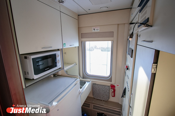 Екатеринбуржец отсудил у импортера более 150 тысяч рублей за старый неисправный холодильник.