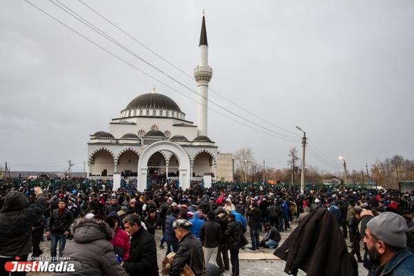 Руководители духовных управлений мусульман попросили уральскую умму не посещать мечети в день Ураза-Байрам