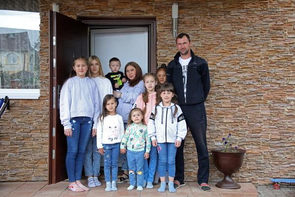 Многодетная семья Сыропятовых, с которой встречался Владимир Путин, приняла участие в голосовании по поправкам в Конституцию