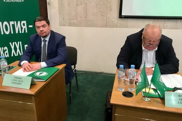 Анатолий Панфилов (справа) и Александр Рявкин (слева).
