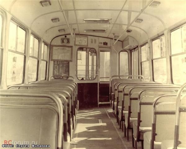 «Уже миллиардный пассажир, а линии все равно прокладывали вручную». Как работал свердловский троллейбус в начале 1970-х в спецпроекте «Е-транспорт»