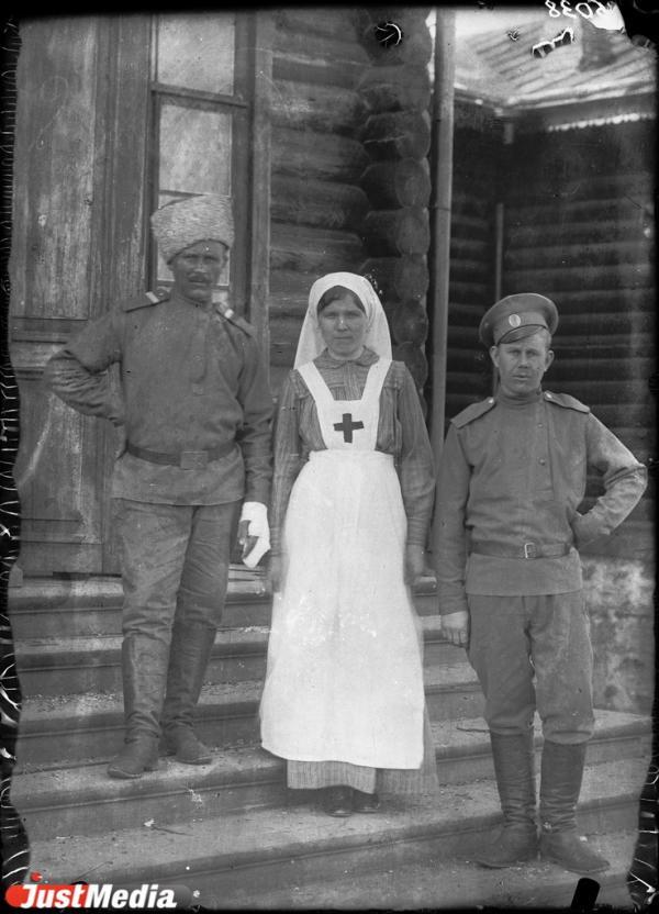 «Полуголые и голодные больные без присмотра врачей и медикаментов». О том, как в Гражданскую войну разграбили Верх-Исетскую больницу и сыпнотифозный госпиталь в JUSTHISTORY