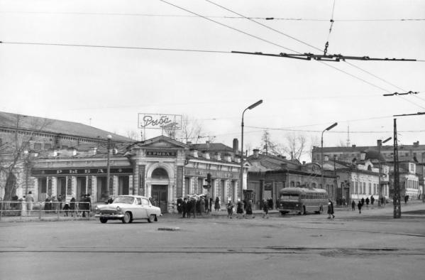 Екатеринбуржцам покажут через фото историю города в период от «оттепели» до «перестройки»