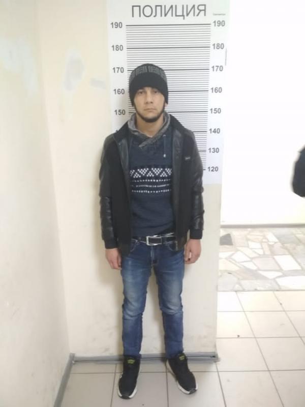 В Екатеринбурге безработный гость города, придушив администратора, забрал деньги из кассы сауны