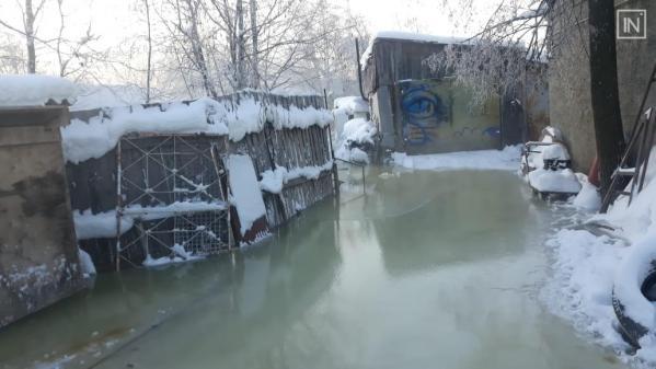 Поселок в Асбесте затопила вышедшая из берегов река
