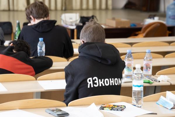 Более 300 талантливых школьников борются за поступление в вузы без экзаменов