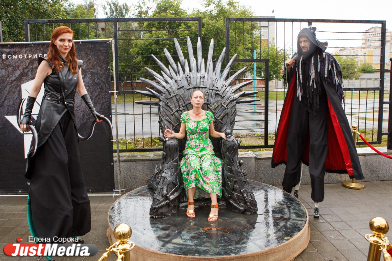 время фото с фестиваля игры престолов ротовой полости